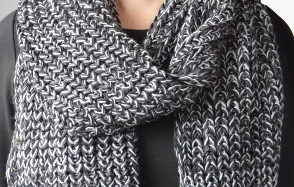 Segue Women's Knitted Black Scarf Picture2: